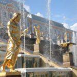 Les palais et les jardins de Peterhof, une visite obligé à Saint-Pétersbourg